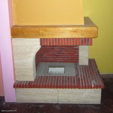 Παραδοσιακό τζάκι με πυρότουβλο