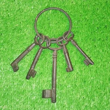 Διακοσμητικά κλειδιά μαντεμένια